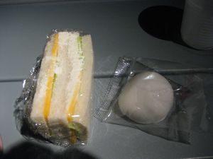 サンドイッチと大福