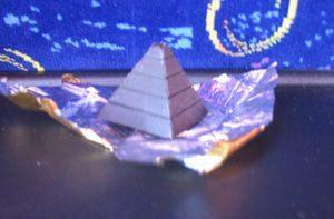 ピラミッド型チョコレート